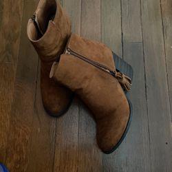 Tan Boots Thumbnail