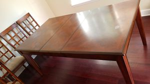 Table and 6 chairs for Sale in Holly Springs, NC