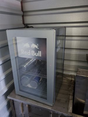 Photo Red bull mini fridge
