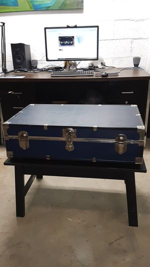 Mercury Luggage Seward Trunk for Sale in Columbus, OH