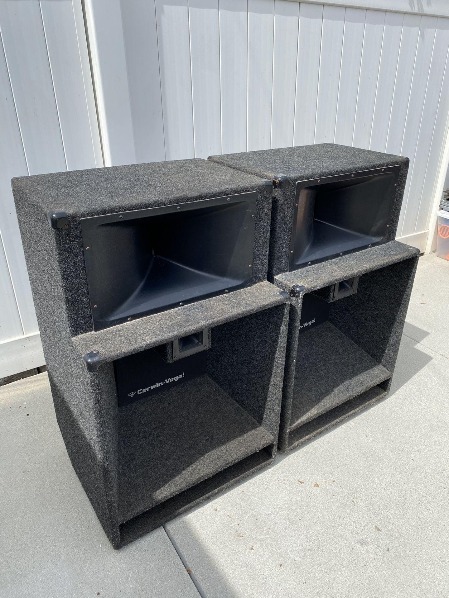 """DJ Speakers - 18"""" Cerwin Vega V35"""