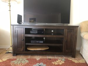 Flat Screen Samsung Television and Console for Sale in Bethesda, MD