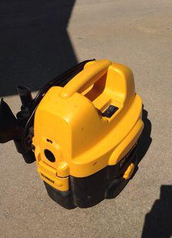 Dewalt 2 Gallon Cordless/Corded Wet/Dry Vacuum Thumbnail