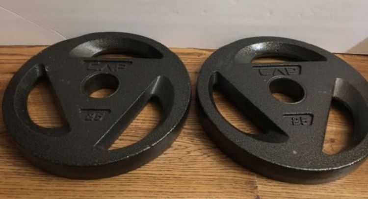 Weights 3 Piece 7ft Olympic Bar with 2x25s,4x10s and 2x5s (100lbs of plates)