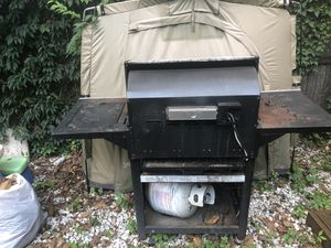 Free electric grill for Sale in Washington, DC
