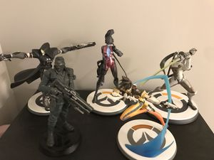 Overwatch Statue Combo Collectible for Sale in Kissimmee, FL