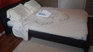 BED FRAME FOR QUEEN for Sale in Hyattsville, MD
