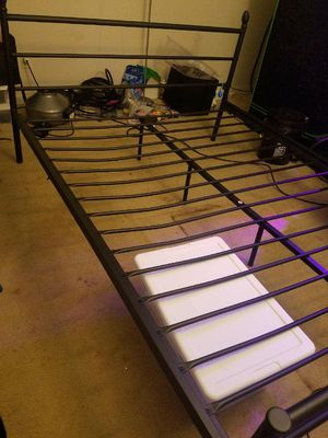 Vintage Metal bed frame!!! for Sale in Silver Spring, MD