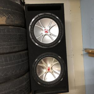 2 subwoofer kicker 12 for Sale in Sun Valley, NV