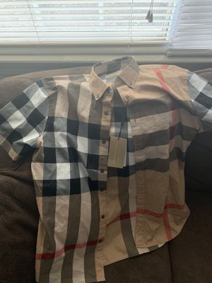 Large Burberry short sleeve shirt never worn for Sale in Bailey's Crossroads, VA