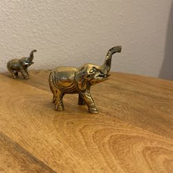 Mama & Baby Small Brass Elephants Thumbnail