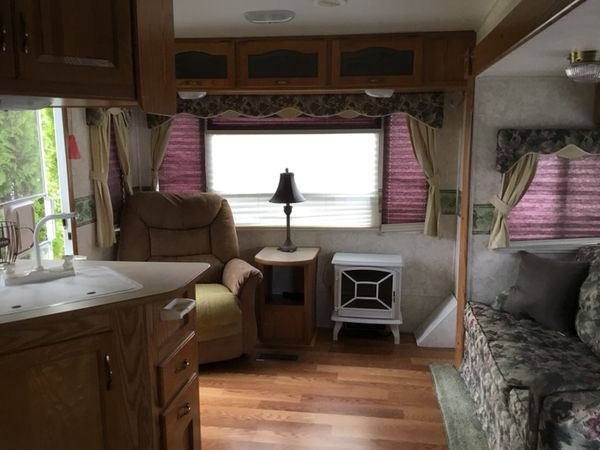 Travel Trailers For Sale Puyallup Wa >> 2004 28ft keystone cougar with slide for Sale in Puyallup, WA - OfferUp