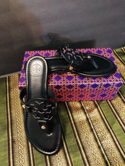 Tory Burch  Black  Leather Size 5 Thumbnail