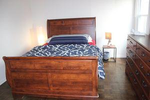Complete Sleigh Queen bed set - queen bed, dresser + mirror, mattress + foundation for Sale in Chicago, IL