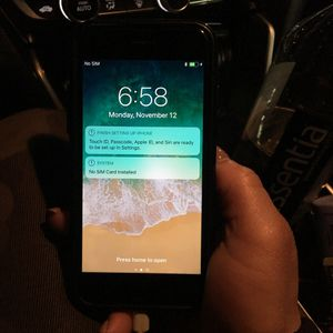 IPhone 7 32GB unlocked for Sale in Fort Washington, MD