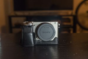 Sony A6000 (+ 4 Batteries & Remote) for Sale in South Orange, NJ