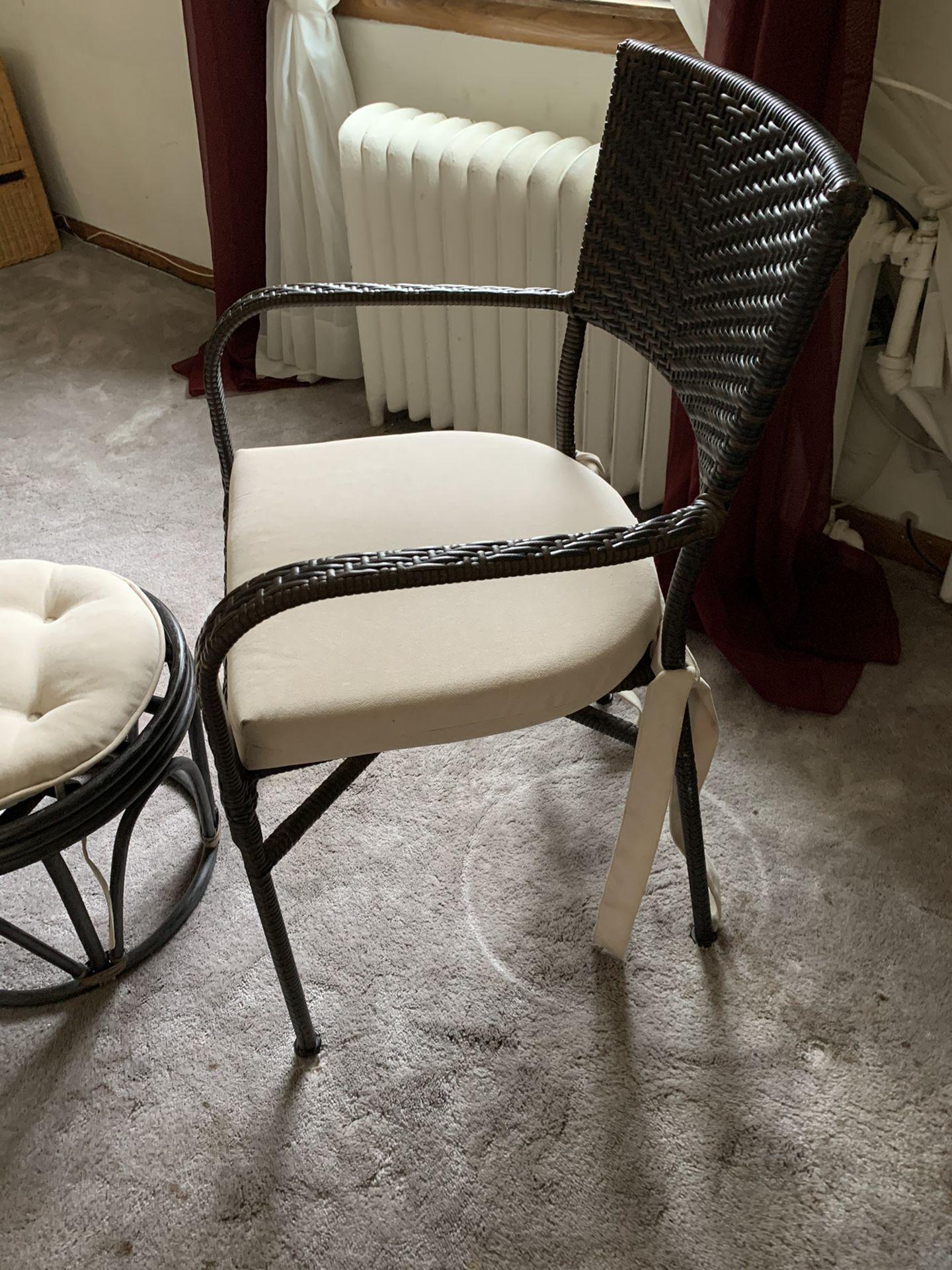 Wicker indoor/outdoor chair & ottoman