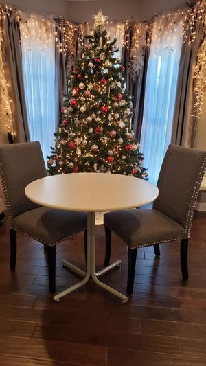 Small dining table (Kitchen table) for Sale in Merrifield, VA