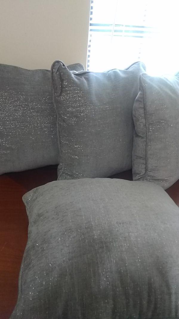 Jumbo Like New Gray Toss Pillows For Sale In Memphis Tn
