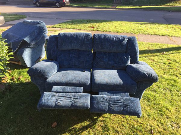 Lazy Boy Couch And Chair For Sale In Tacoma Wa Offerup