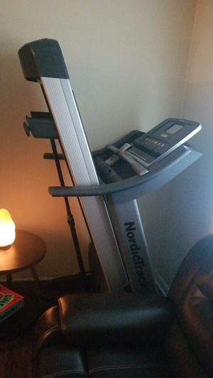 Unique nordictrack E2500 Treadmill