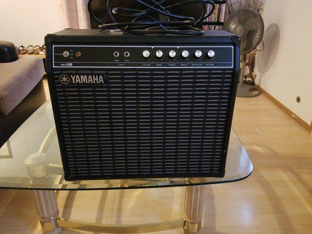 YAMAHA G30-112 ELECTRIC GUITAR AMP. EXCELLENT CONDITION.