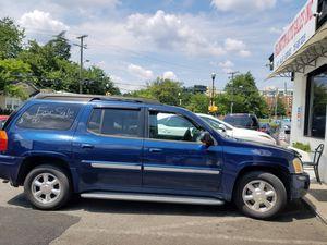 Vendo GMC título limpio 2004 for Sale in Arlington, VA