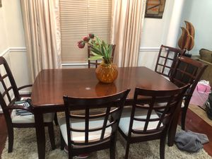 Dining room table set. 6 chairs and table w/ removable leaf. for Sale in Washington, DC
