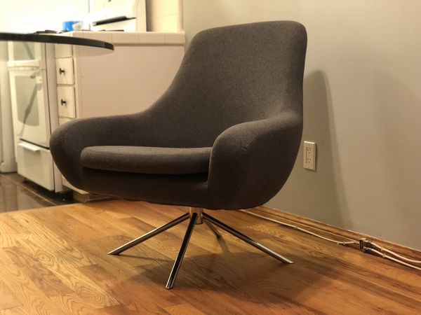 Noomi Swivel Chair Design Within Reach For Sale In Santa Monica