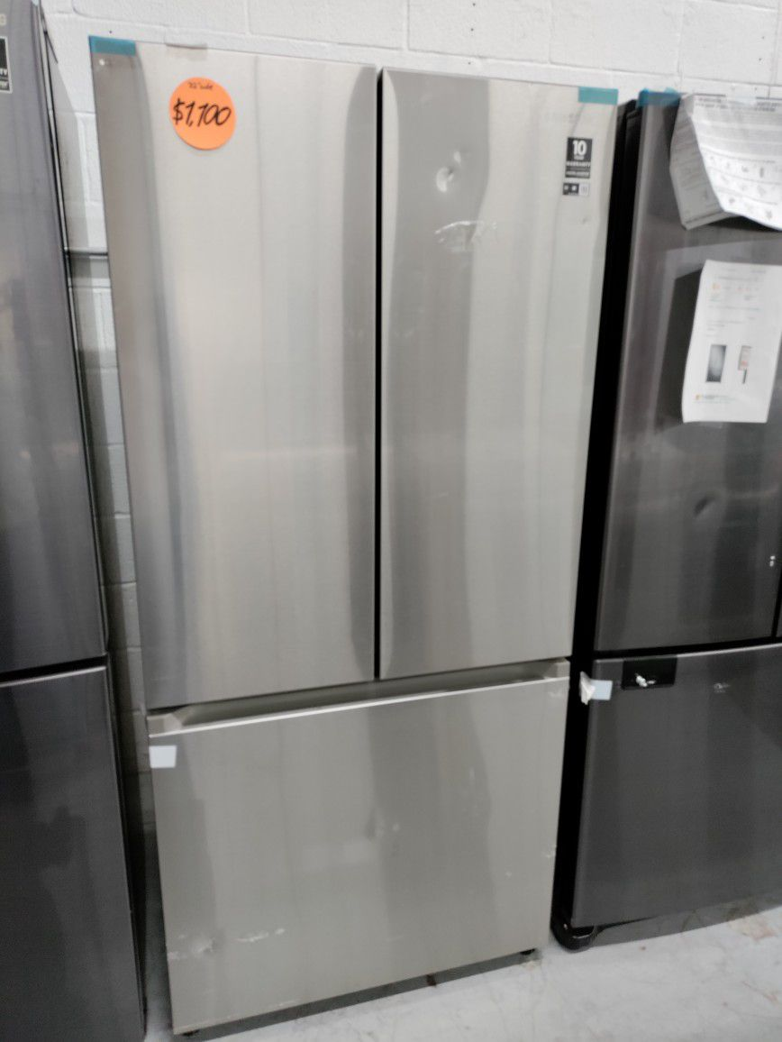 Samsung French Door Stainless Steel Refrigerator 32' Wide, New Scratch And Dent