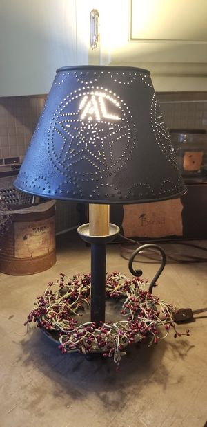 """Primitive lamp w pip berry, 18"""" tall for Sale in Olney, IL"""