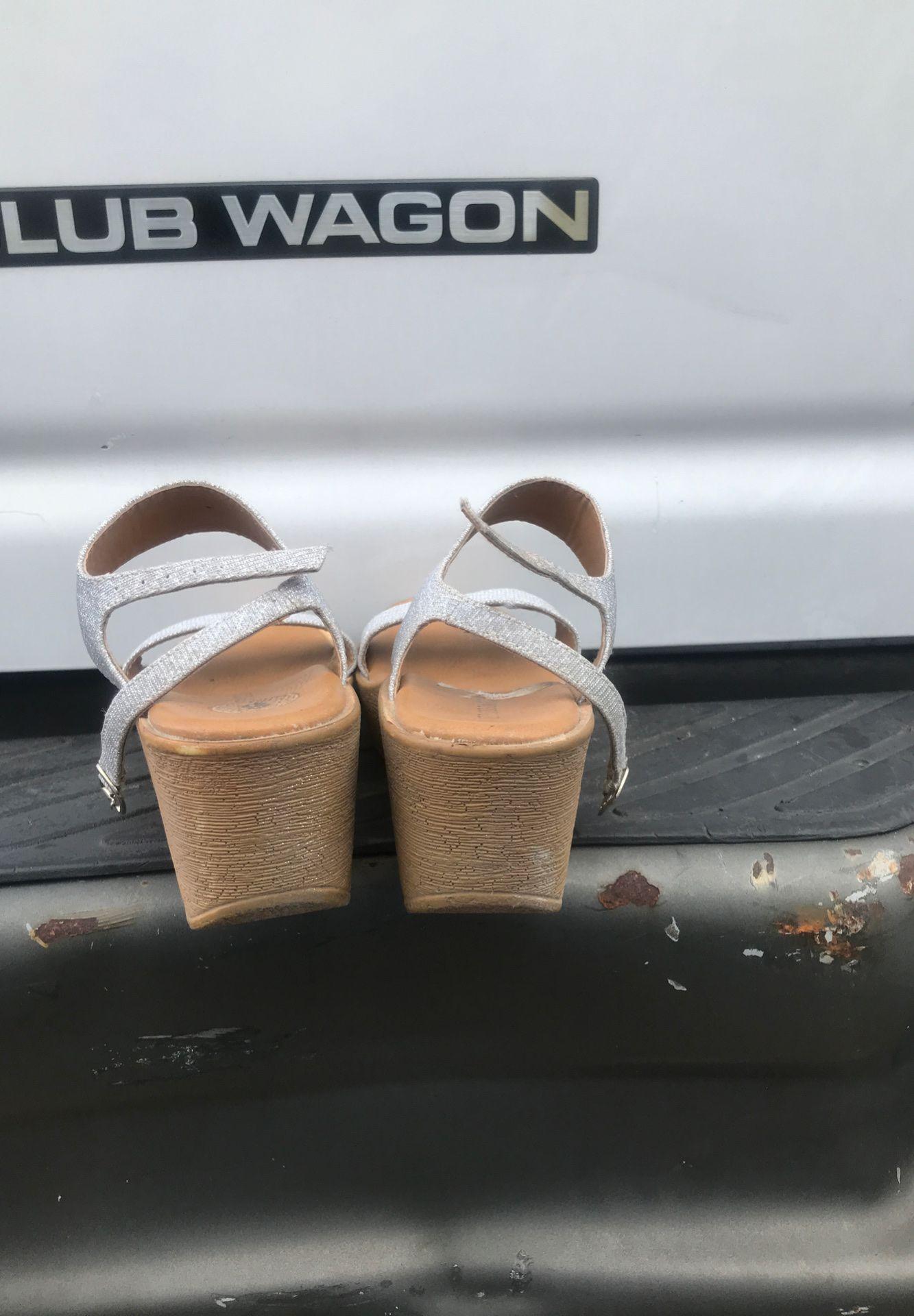 Sliver glitter wedges‼️ Size 8