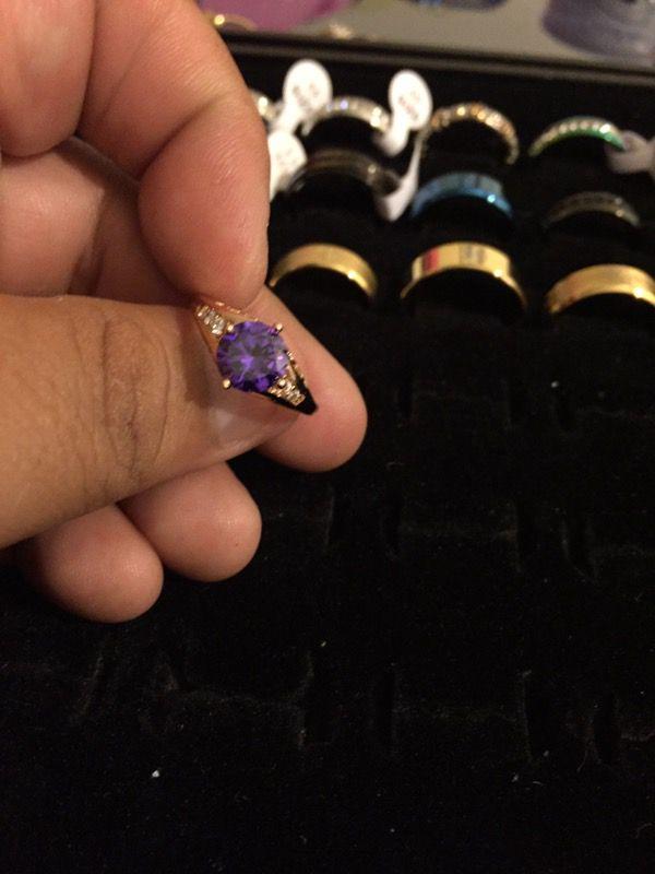 Beautiful 18 karat gold filled ring for women size 7
