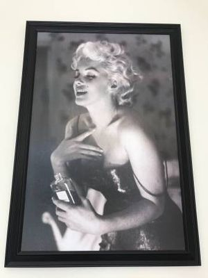Marilyn Monroe black and white picture w/ black picture frame for Sale in San Francisco, CA