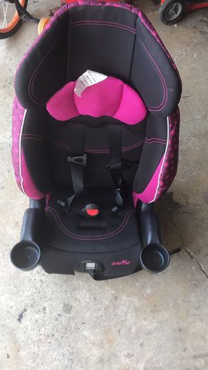 GIRL CAR SEAT for Sale in Rockville, MD