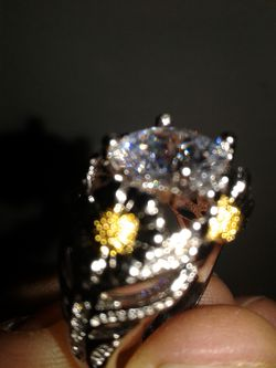 Gorgeous Daisy gem stone STERLING marked ring Thumbnail