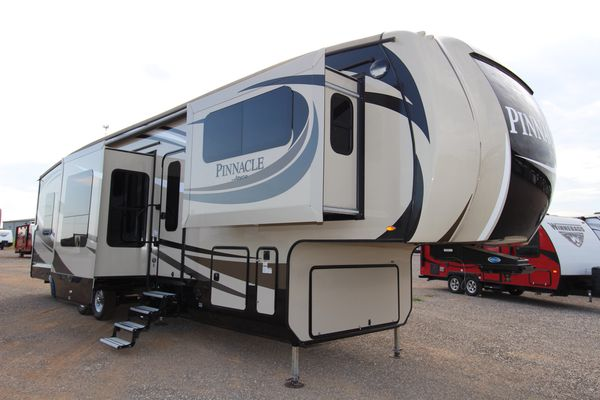Terrific 2017 Jayco Pinnacle 38Flsa Front Living Room 5Th Wheel For Sale In Kyle Tx Offerup Download Free Architecture Designs Momecebritishbridgeorg