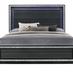 GLAM BLACK FINISH LED LIGHT QUEEN SIZE BED - CAMA Thumbnail
