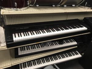 Roland RD-500 88-Key Piano for Sale in Columbus, OH