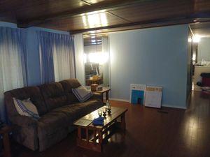Mobile home Dutch hollow village 2 bedroom 970 ft² 3000 obo for Sale in Belleville, IL