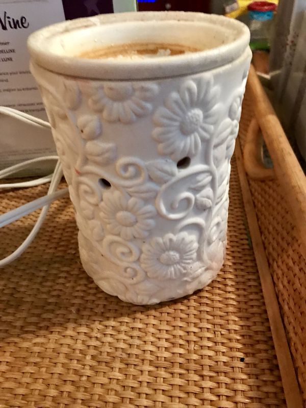 Scentsy Flower Vine Warmer For Sale In Oceanside Ca Offerup
