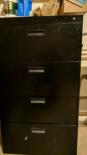 4 drawer filing cabinet...Free for Sale in Burke, VA