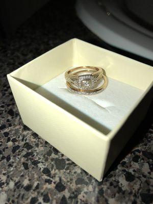 10kt Solid Gold Wedding Ring Set Size 5-7 3.7grams bridal set engagement for Sale in Sanford, FL