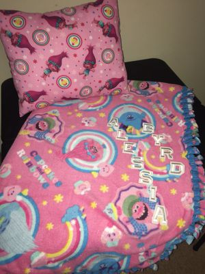 Trolls Fleece Set w/matching Pillow for Sale in Cleveland, OH