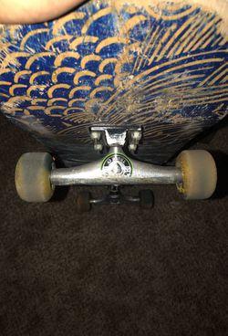 Trucks and wheels /skateboard Thumbnail