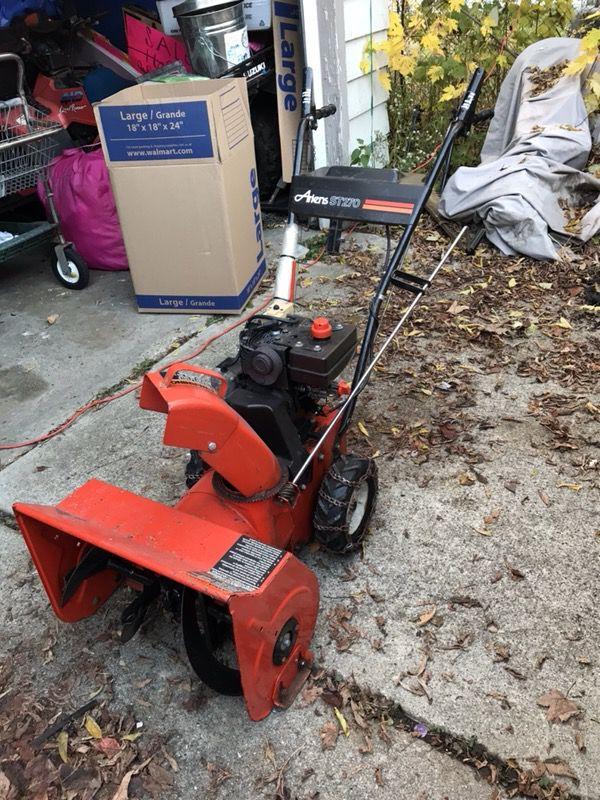 Ariens ST270 2 7 HP 20 inch snowblower for Sale in Flint, MI