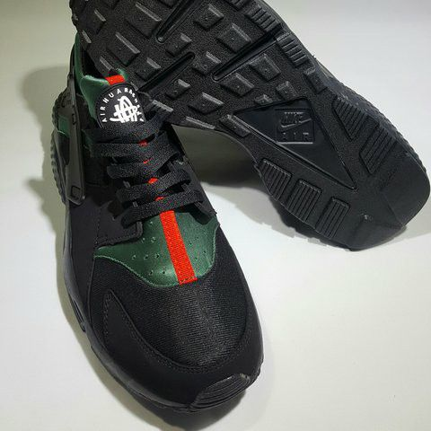 check out cfe6c 16d15 Nike Huaraches ( GUCCI ) for Sale in Sparks, NV - OfferUp
