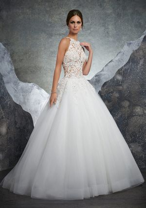 Wedding gown kathleen mori Lee size4 for Sale in Austin, TX