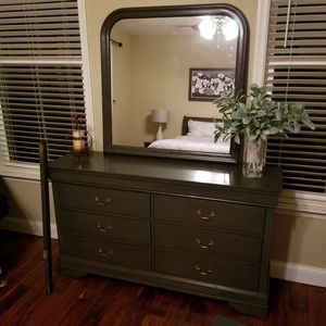 4 piece Bedroom set for Sale in Manassas, VA