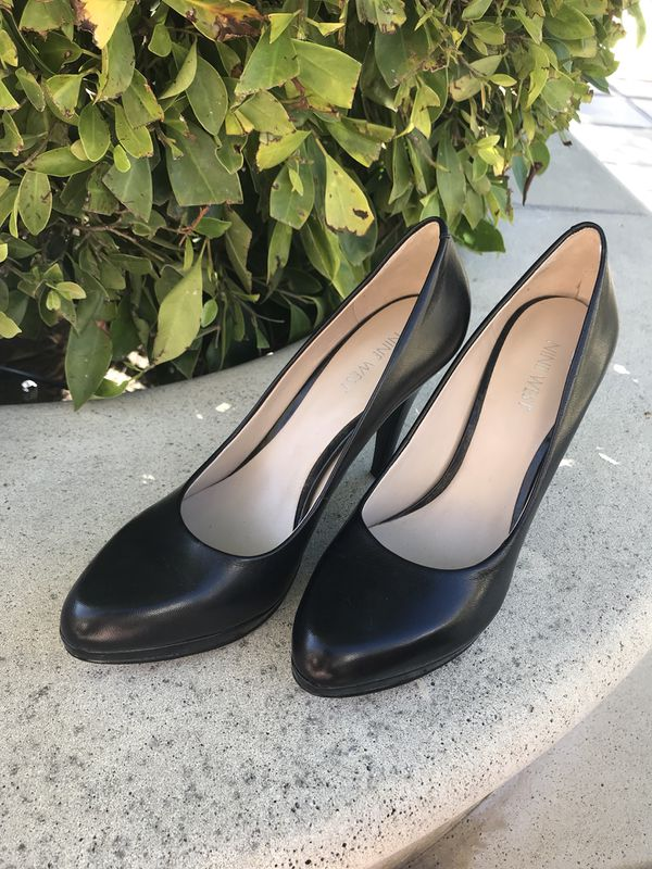 60cb3a29e8 Black leather pumps 8.5 for Sale in San Clemente, CA - OfferUp